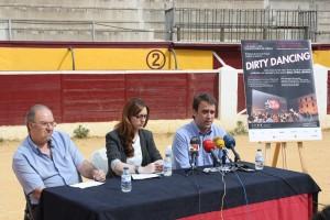 Javier Lasaosa (Presidente de la Peña Los 30), Azucena Garanto (Directora del Festival Internacional de Cine de Huesca) y Diego Luna (Gerente de Albahaca & Plata)